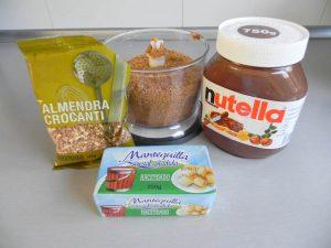 Añadimos la mantequilla, la Nutella y las almendras crocanti