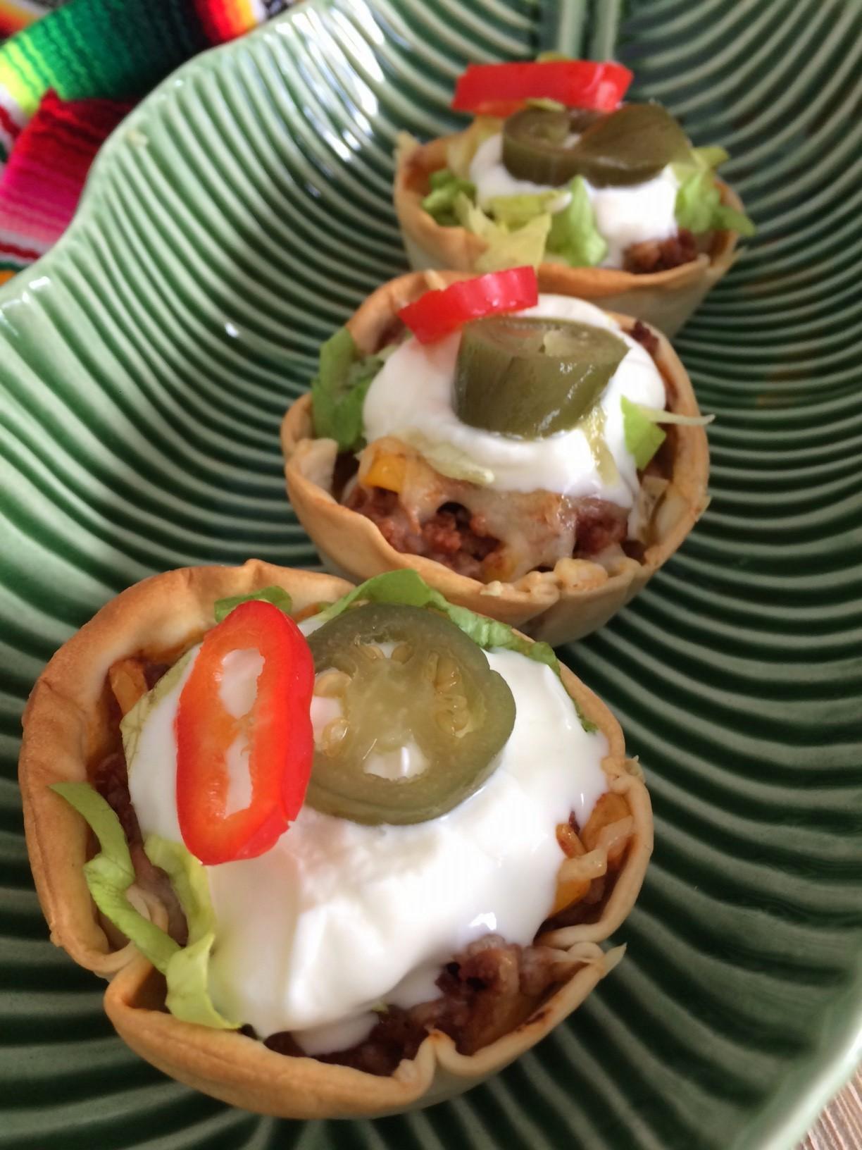 Taco mexicano en cestitas