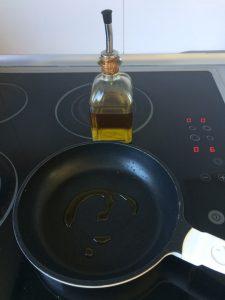 La pochamos en un poco de aceite