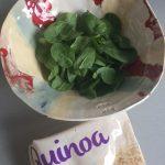 Añadimos la quinoa sobre las espinacas