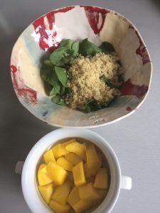 A continuación, añadimos el mango pelado y cortado en cuadritos