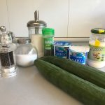 Ingredientes ensalada cremosa de pepino con eneldo