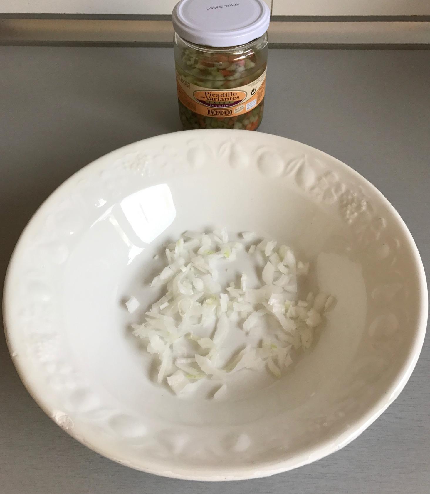 Añadimos las verduritas en vinagre escurridas