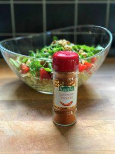 Y añadimos un poco de pimienta de cayena, que le dará un toque especial